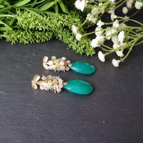 Pendiente de racimo con jade verde azulado y multiberilio