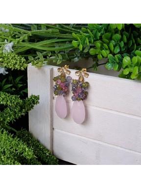 Pendiente de racimo con jade rosa claro, iolita, topacio rosa y vesubianita
