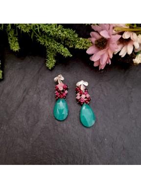 Pendientes de racimo con jade verde, granates y jade