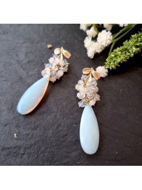 Pendiente de racimo con cuarzo opal y jade