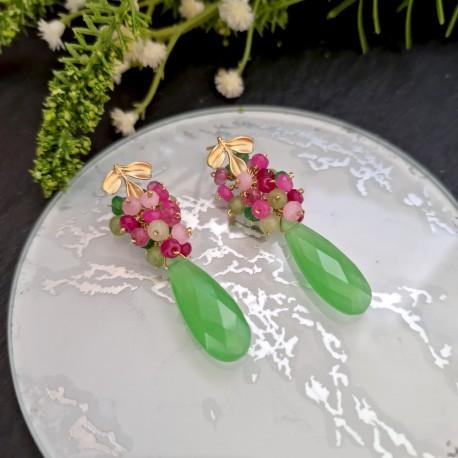Pendiente de racimo con cuarzo verde y jade tonos verde y fucsia