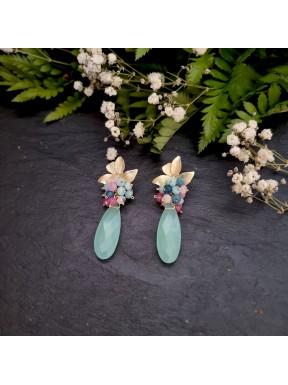 Pendiente medio racimo con calcedonia aqua y jade en tonos malva, azul y amazonita