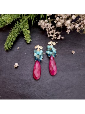 Pendiente de racimo con rubí, amazonita, ópalo, apatito y topacio london blue
